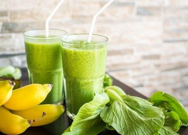 有機野菜や、厳選した調味料も購入可能
