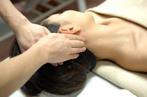【痛くない】フォトセラピーとマッサージは体とお肌にやさしい