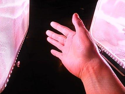 【温かい】フォトセラピーとハンドマッサージで深部から血行促進