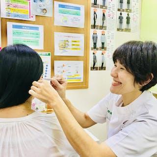 耳つぼ施術と痩せる食事のアドバイス