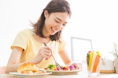 無理な食事制限がなく、三度の食事が食べられる
